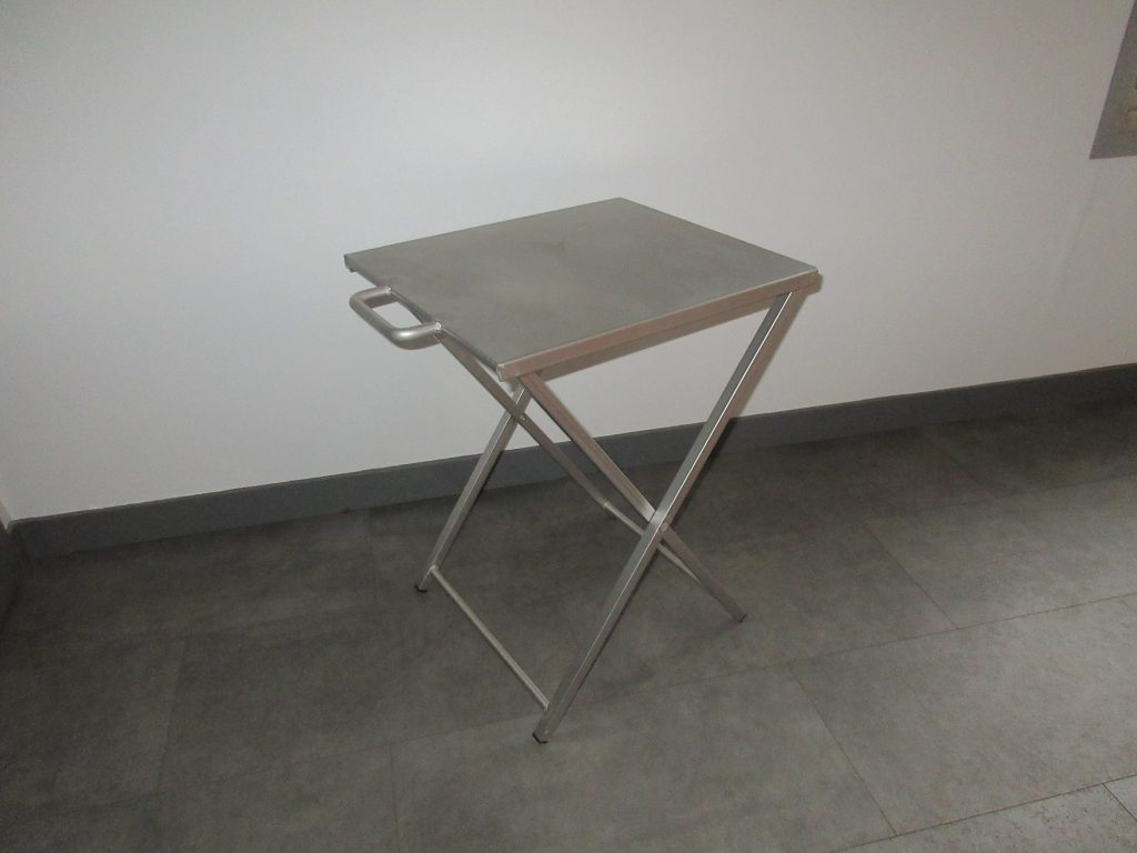 Table pliante inox