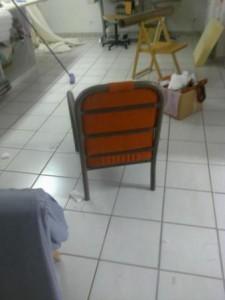 chaise vue de derriere