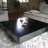 Table basse en acier vernis