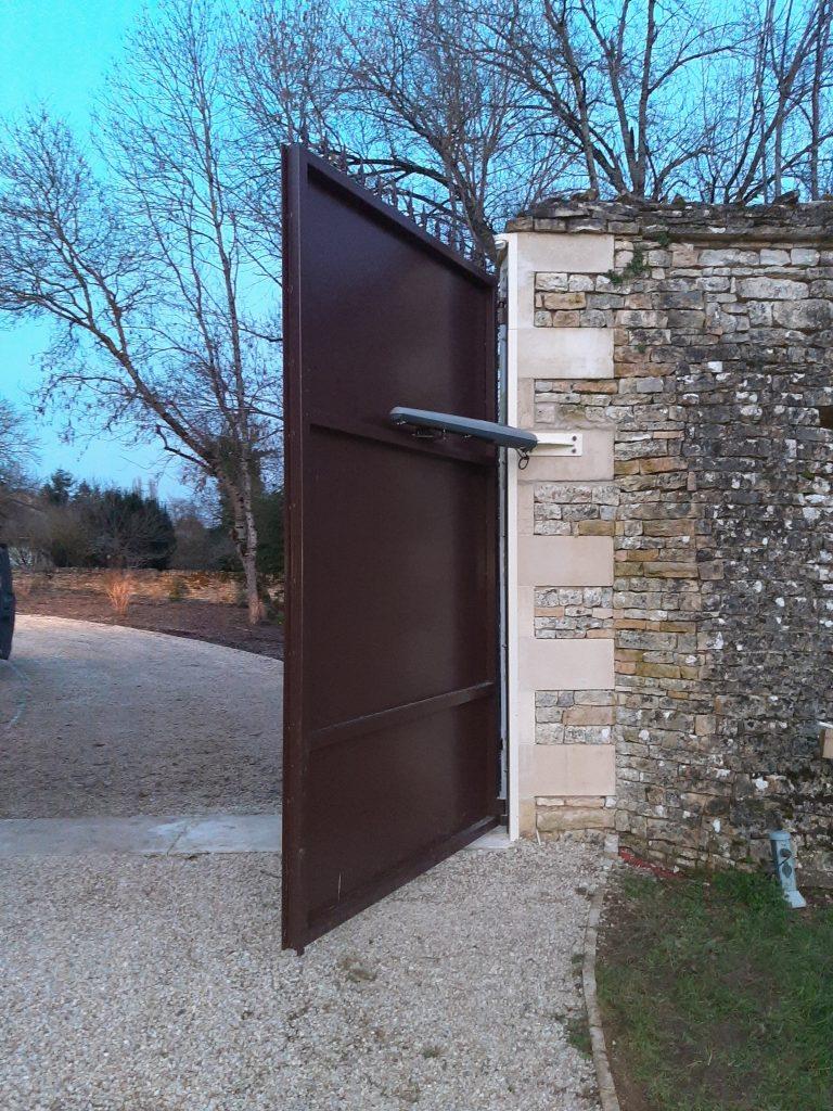 Portail double vantaux, double battant, garantie à vie, acier inoxydable, peinture thermolaquée
